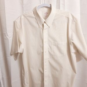 Brooks Brothers Short Sleeve Button Down S…
